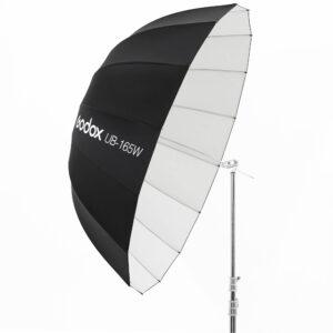 Godox UB-165W je kišobran bele unutrašnjosti i velikog prečnika od 165 cm. Idealan je kod portreta ili grupnih fotografija.