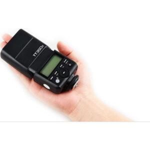 Godox TT350C je snažan blic malih dimenzija i poput Godox TT685C namenjen je Canon fotoaparatima, ali je dosta manji od njega