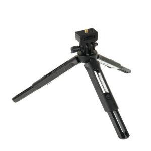 """Godox MT-01 je veoma praktičan mini stativ koji može da nosi blic, fotoaparat, led reflektor ili bilo koji drugi dodatak koji se montira na 1/4"""" navoj"""